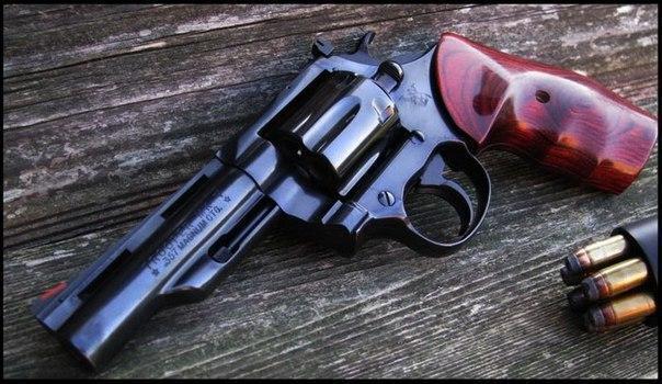 Оружие Револьвер Огнестрельное оружие NFM National Firearms Museum USA