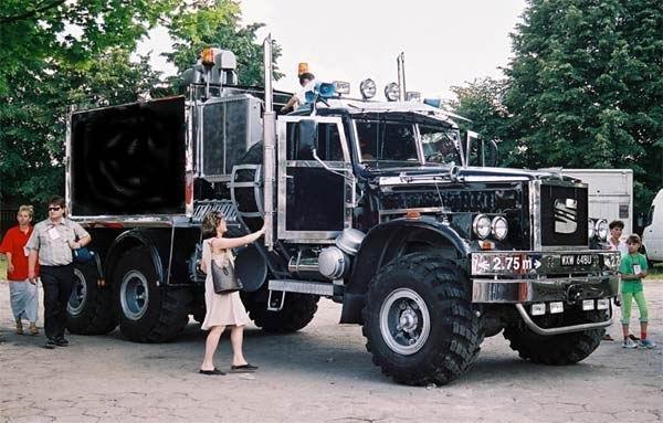 Красивые картинки Фото грузовик КрАЗ тюнинг