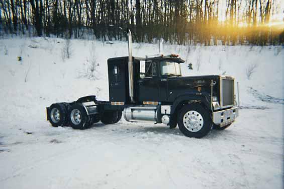 Фото Зима грузовик MACK