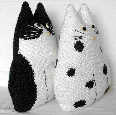прямые руки коты-подушки