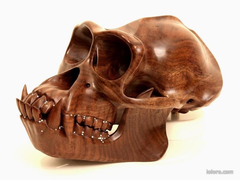 череп  прямые руки Деревянная скульптура дерево орангутан Laurel Roth Hope