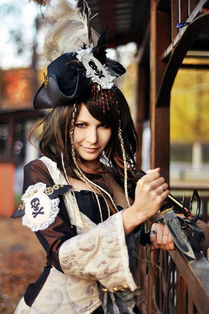 Фото Девушка пираты косплей