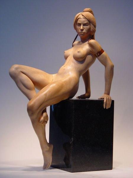 Эротика Девушка Деревянная скульптура Иан Норбури