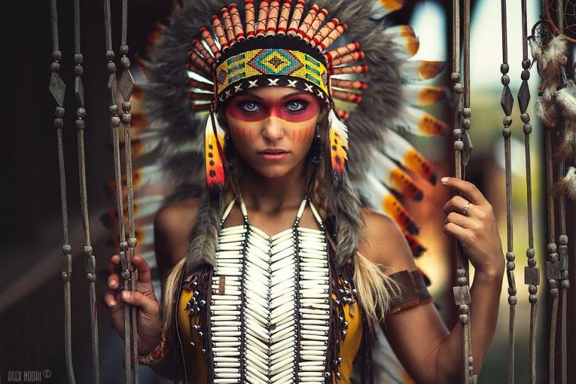 Фото Девушка косплей индейцы