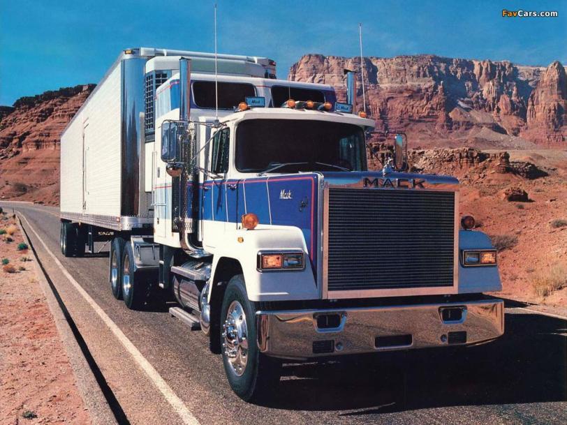 Фото Красивые картинки грузовик кликабельно MACK песочница