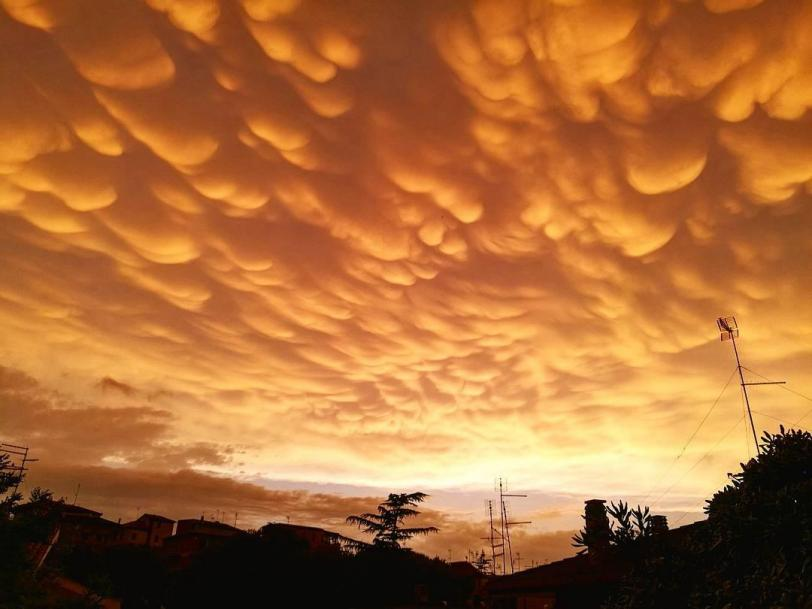 мамматус погода небо облака Красивые картинки обои