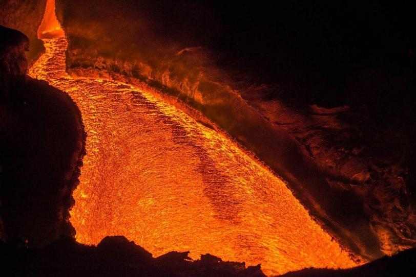 вулкан извержение плоский толбачик вулканы камчатки камчатка катаклизм лава лавовые реки ночь Пейзаж крсивые картинки